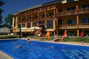 Bazén, Hotel Avalanche, Štôla